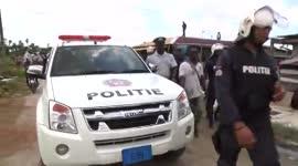 Politie bezig occupenten te verwijderen van eigendomspercelen Leiding 22...