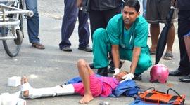 Ingezonden: Moeder en dochter aangereden door autobestuurder...