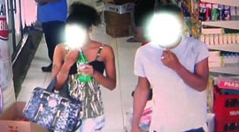 Stelende groep jongeren op heterdaad betrapt door winkelier (incl camerabeelden)...