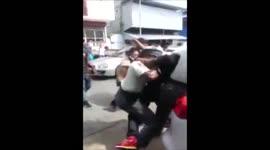 Politieagenten aangevallen tijdens uitvoering van hun werk...