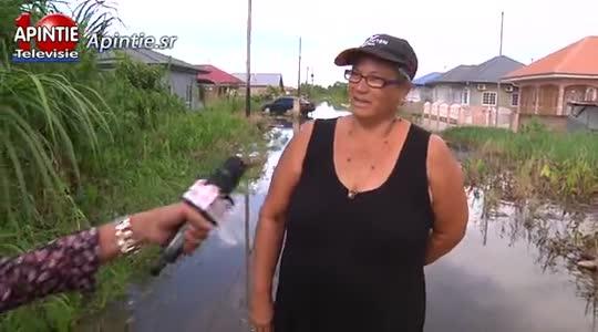 Bewoners Eurekaproject weten zich geen raad met wateroverlast...